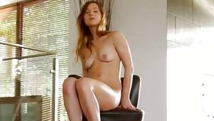 Whorish girlie is sexy exposing her man