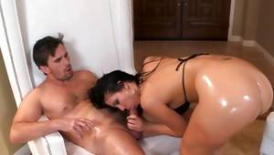 Fractious hooker is sucking the heavy cock